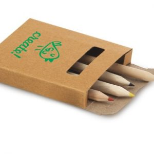 502 - Caixa com mini lapis de cor cartoes de colorir e apontador